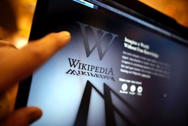 Wikipedia on the Dark Web; Wikipedians under serious dicussions